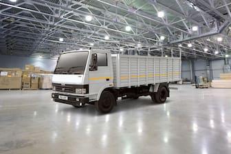 Tata 712 LPT